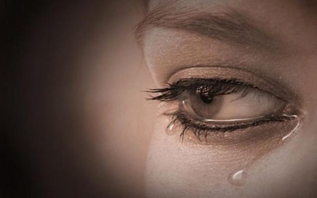 إذا كانت الدموع سلاح المرأة فما هو سلاح الرجل؟! – الشروق أونلاين